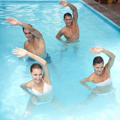 Badegäste beim Aqua Zumba im Stadtbad Landshut