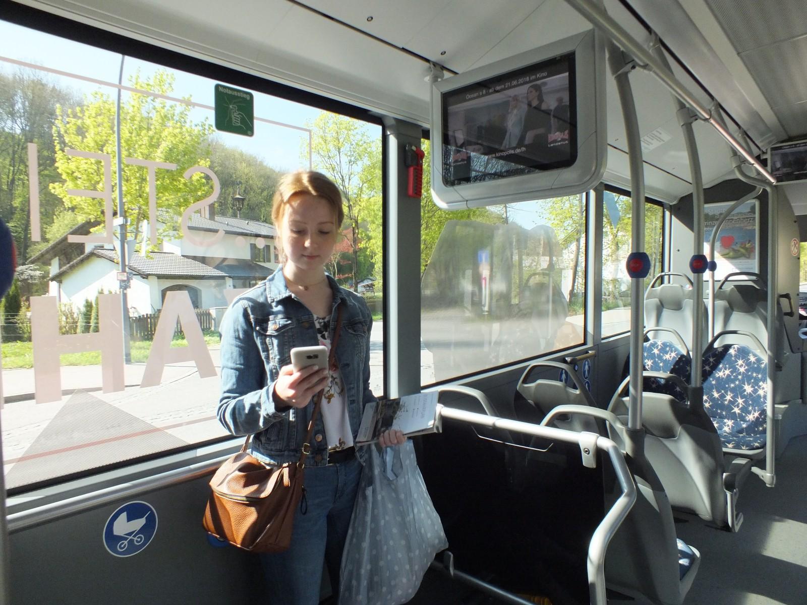 Fahrgast im Bus