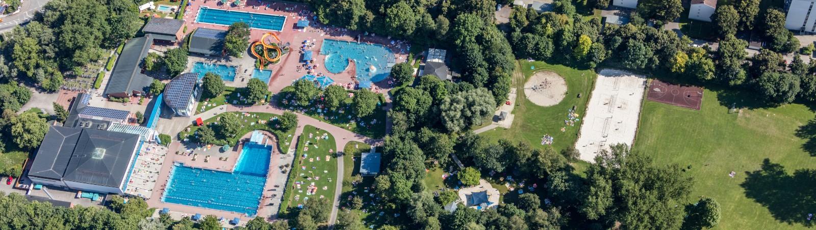 Luftaufnahme des Landshuter Stadtbads